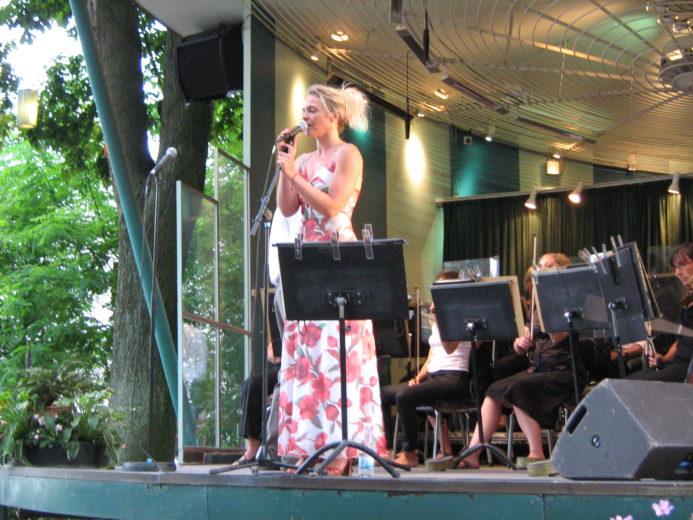 Promenadeorkestrets reperoire - solist Trine Pallesen. Privatfoto BKP, 2009